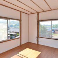 2階洋室2(収納側から)